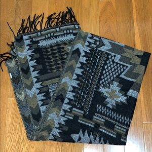 Tribal Pattern Fringe Scarf